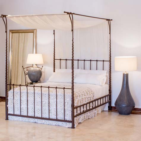 Canopy Bed 12