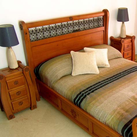 Wood Bed 36