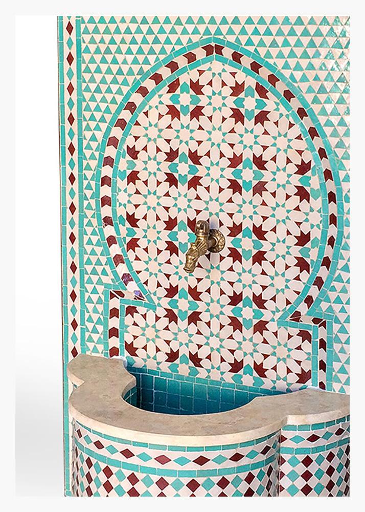 5-fuente-jardin-mosaico-arabe-playas-del-duque