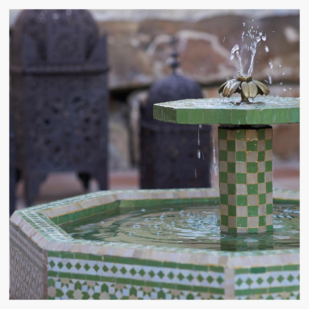 1-fuente-jardin-mosaico-arabe-sotogrande-puerto-banus