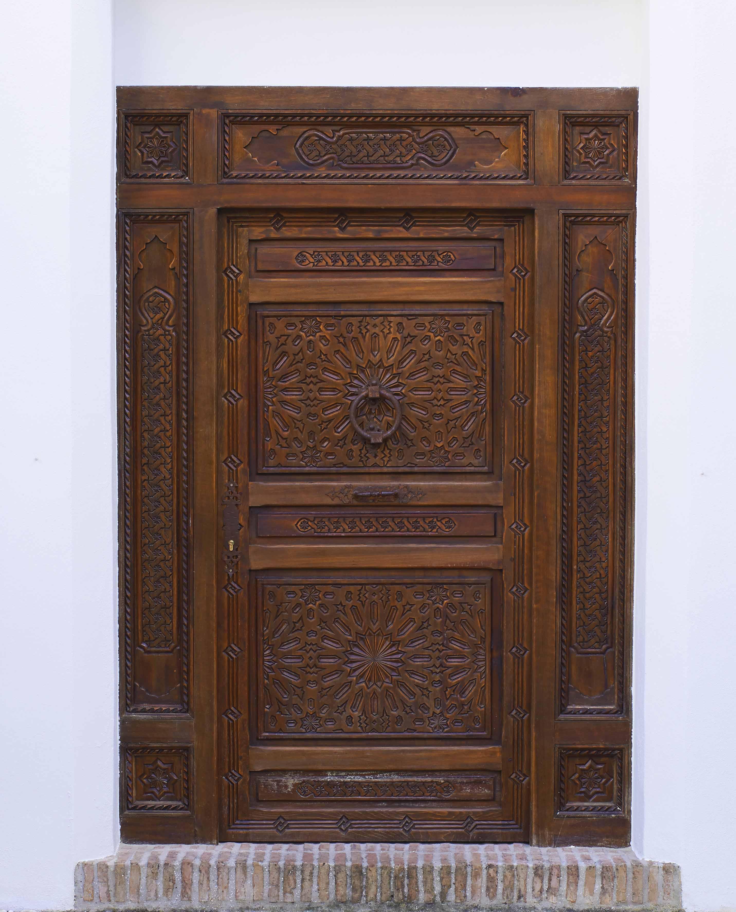 puerta_tallada.jpg.jpg